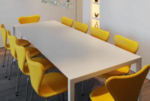 gele design eetkamerstoelen